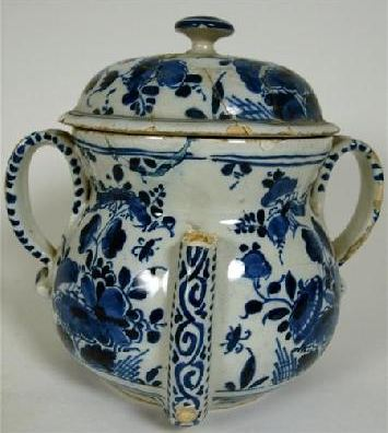 English Delft POSSET POT and COVER - London or Bristol, ca early 18thC