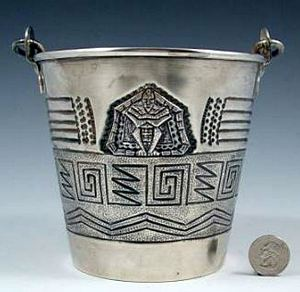 CENTRAL AMERICAN FINE SILVER ICE BUCKET. Unknown makers hallmark