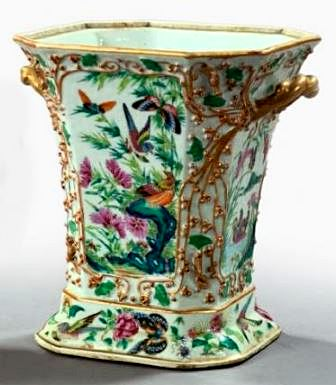French Porcelain Vase in the Chinoiserie style, 2nd qtr 19thC