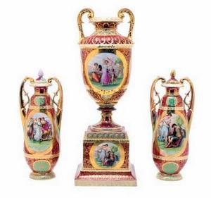 royal Vienna urns with beehive mark