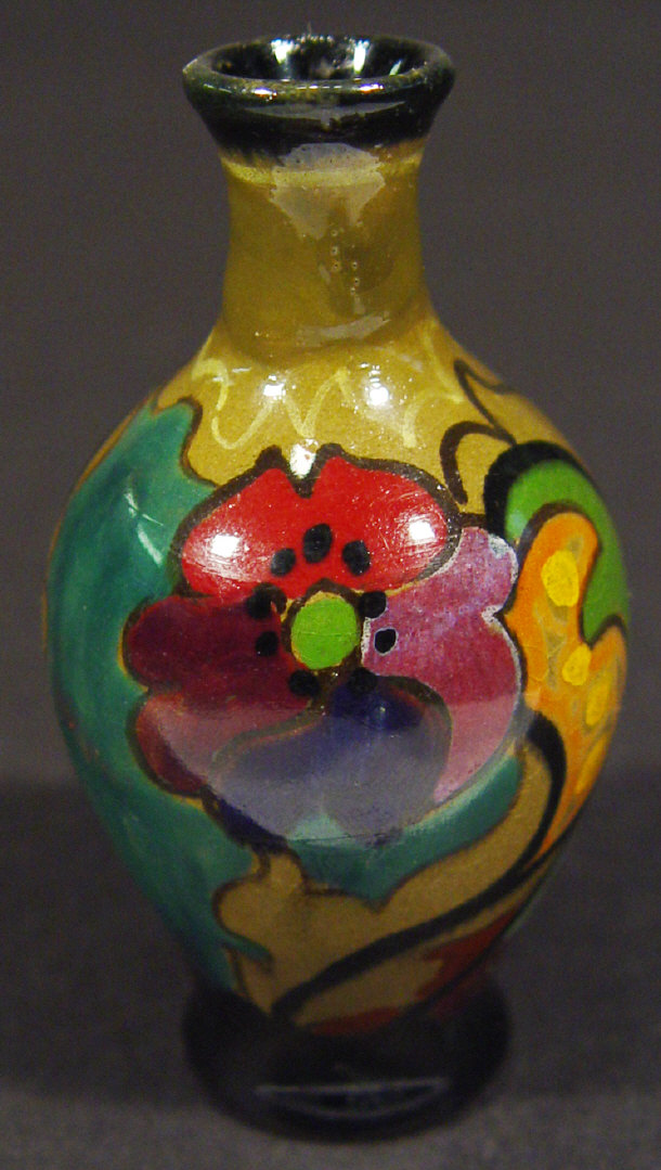 Miniature Gouda vase, hand painted with Art