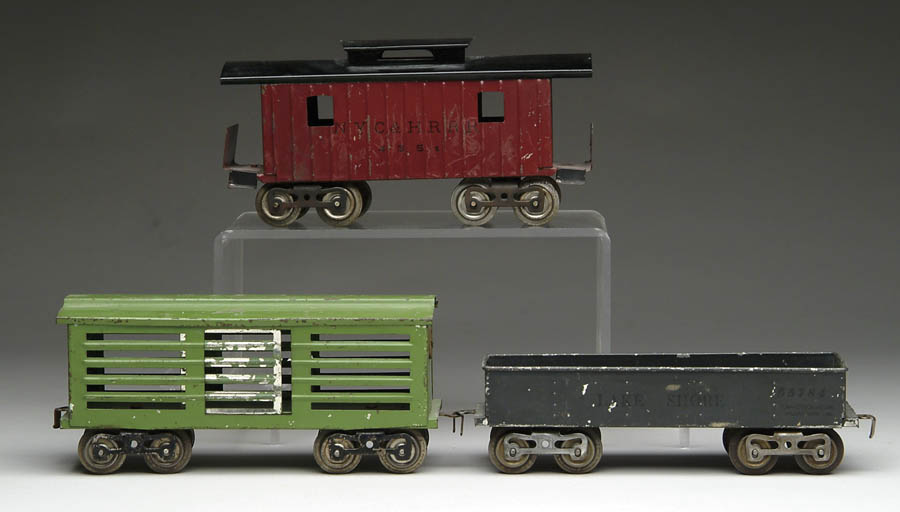 "LOT OF 3 LIONEL ""O"" GAUGE FREIGHT CARS. Consisting"