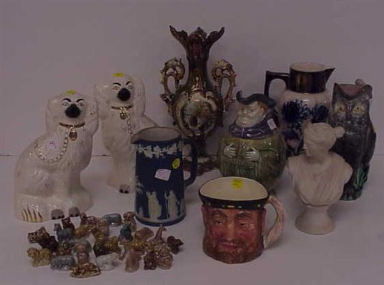 Pottery and porcelain including: a pair of
