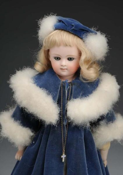 Early Closed Mouth Kestner Doll. Description