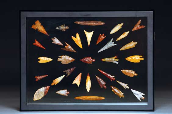 "COLLECTION OF 33 ""FINE"" MESOLITHIC GEM POINTS