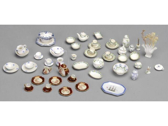Lot of Porcelain Tea Sets MN A hand-painted