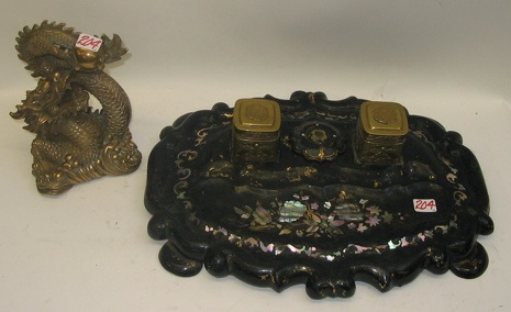 AN ENGLISH VICTORIAN INKSTAND AND A CHINESE