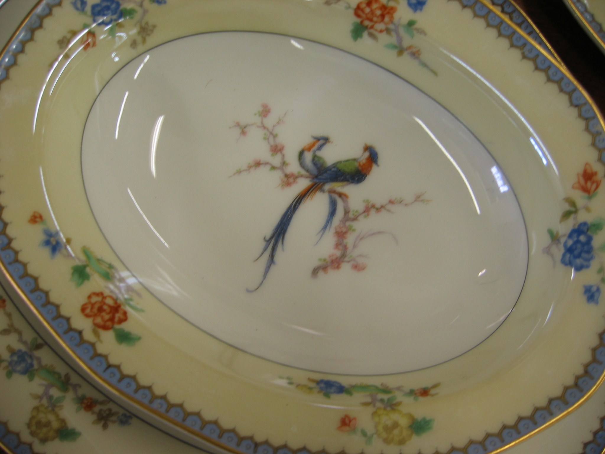 A THIRTY TWO PIECE THEODORE HAVILAND, LIMOGES,