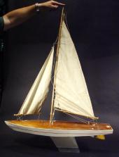 Price guide for LARGE POND YACHT MODEL 'FLEETWING' EARLY