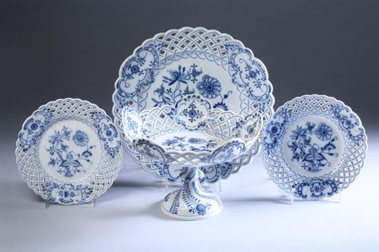 "EIGHT PIECES MEISSEN ""BLUE ONION"" PORCELAIN,"