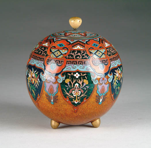FINE ANTIQUE CLOISONNÉ KORO AND COVER. Ball