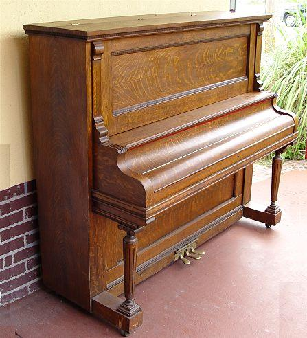 RICHMOND PIANO CO. TIGER OAK UPRIGHT PIANO: