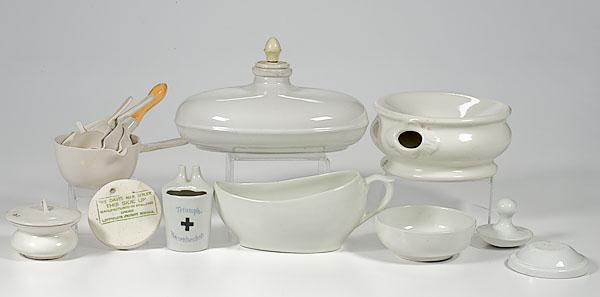 LOT OF ASSORTED PORCELAIN, 12 pieces of assorted