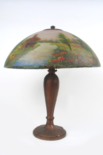 A JEFFERSON TABLE LAMP with 18in. diameter