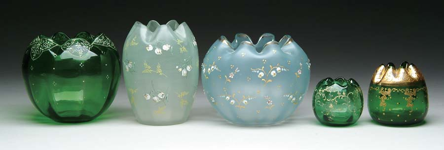 FIVE ROSE BOWLS. Lot consists of a miniature