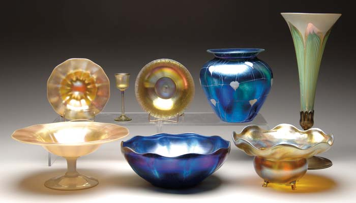 EIGHT PIECES OF ART GLASS. Lot consists of