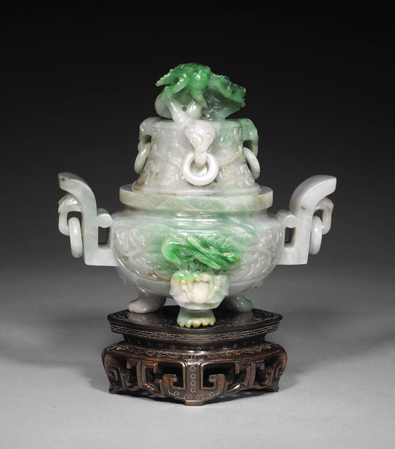 CARVED APPLE GREEN JADEITE KORO