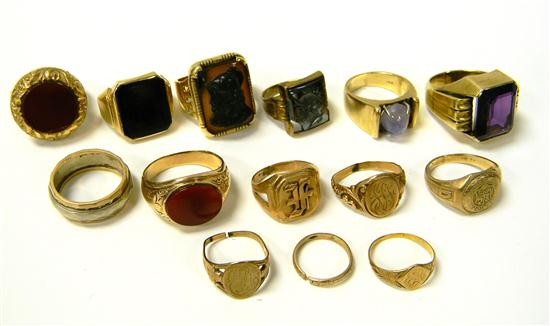 JEWELRY: FOURTEEN GOLD RINGS: 14K yellow