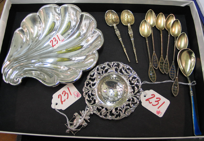 A COLLECTION OF 11 PIECES OF STERLING, SILVERPLATE