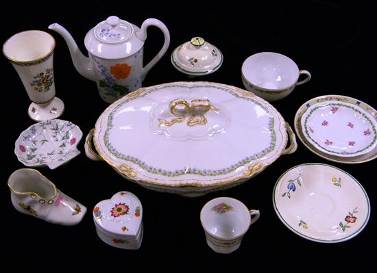 Assorted china  twelve pieces  including;