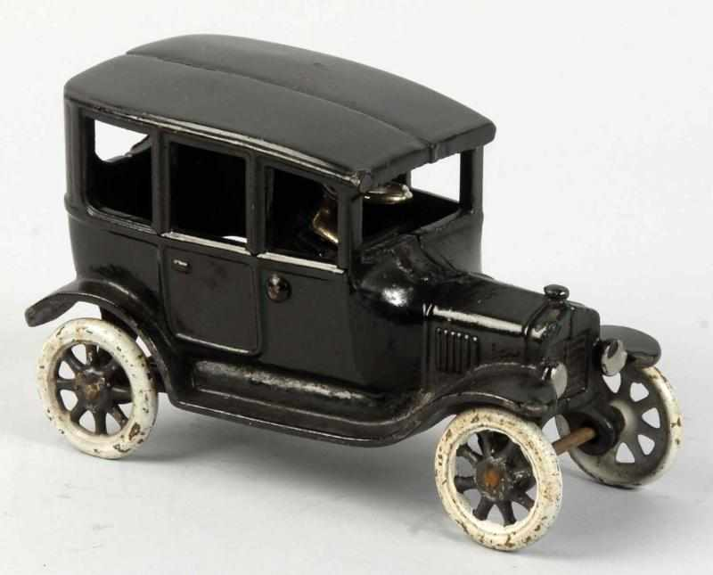Cast Iron Arcade Ford Model T Car Toy. 