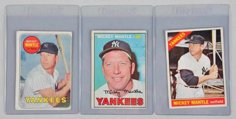 Lot of 3: Mickey Mantle Topps Baseball Cards.