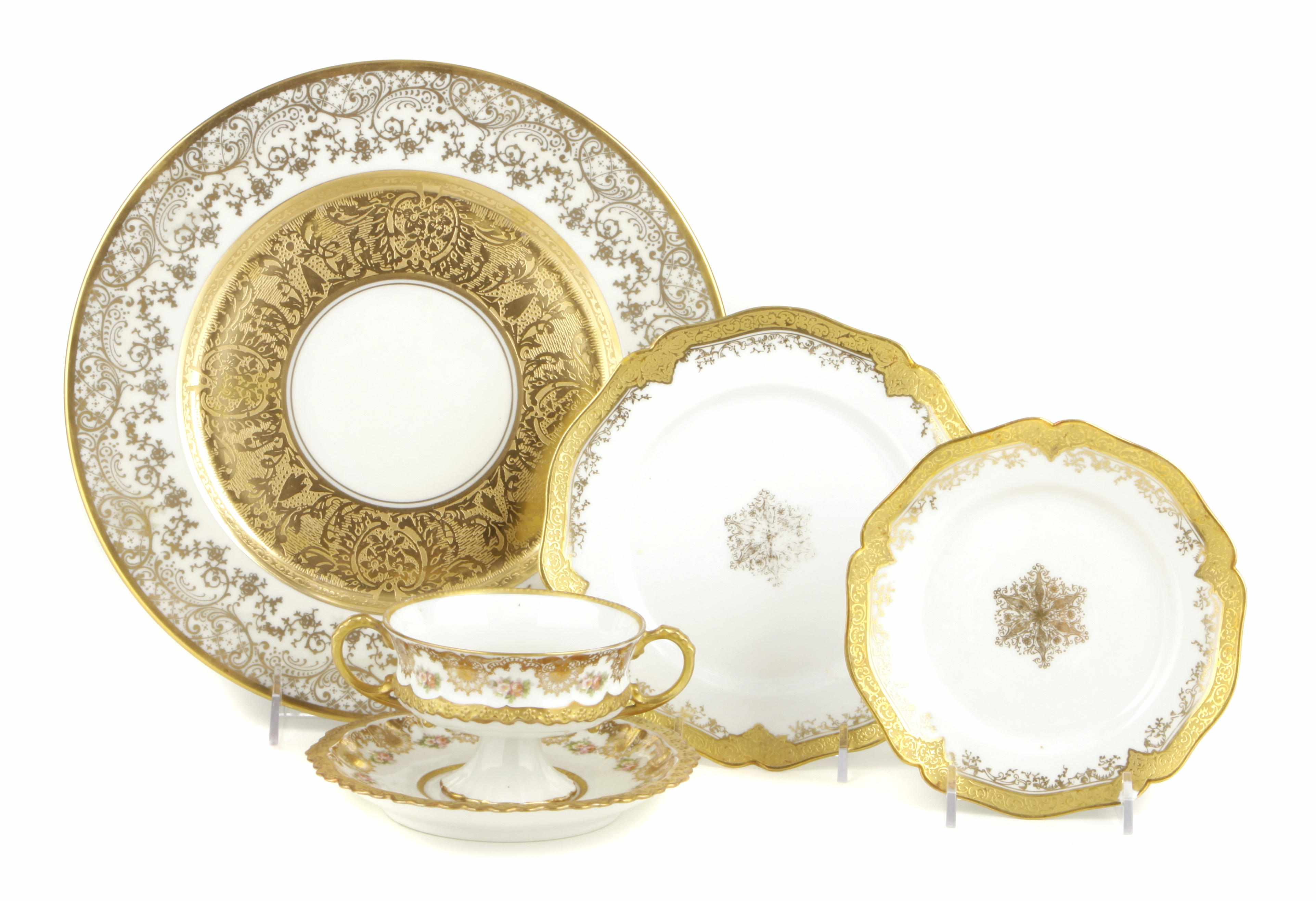 A Limoges porcelain part dinner service With