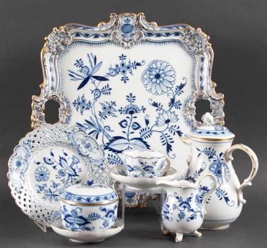 Meissen blue and white porcelain 40-piece