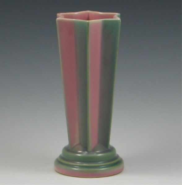 Roseville Futura ''Pleated Star'' Vase shape