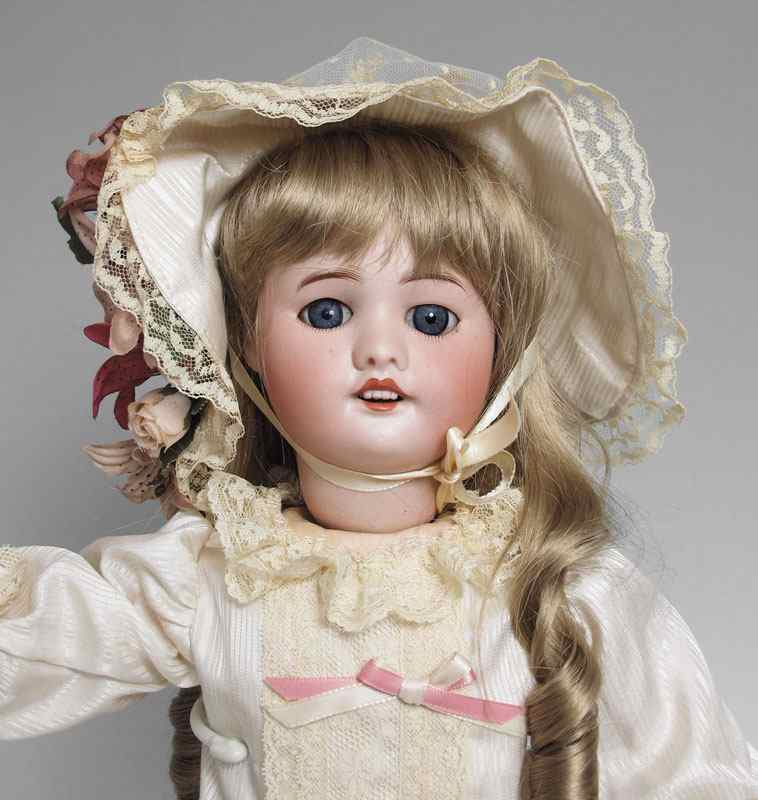 FRENCH SFBJ BISQUE HEAD WALKING DOLL: Her