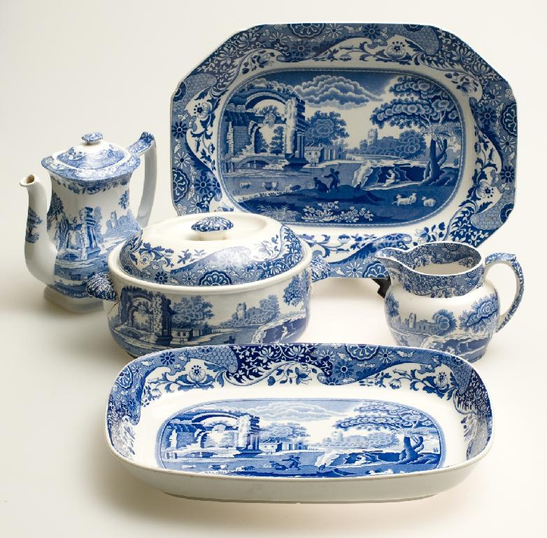 EXTENSIVE GROUP OF SPODE AND COPELAND SPODE