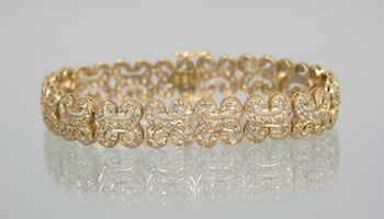 759. A Ladies' Diamond Bracelet in Gold.