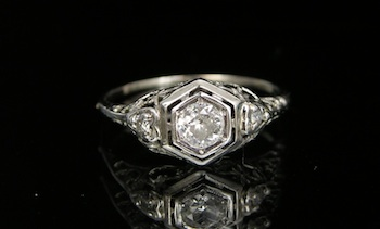 531. An Art Deco Platinum and Diamond Ring