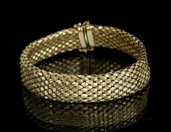 An Italian 14k Gold Mesh Bracelet