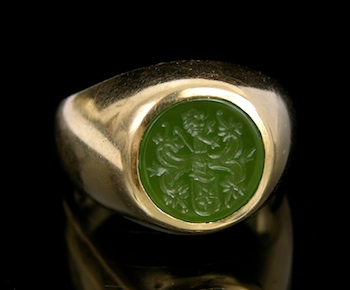 597. A Gentleman's Carved Intaglio Gold Ring
