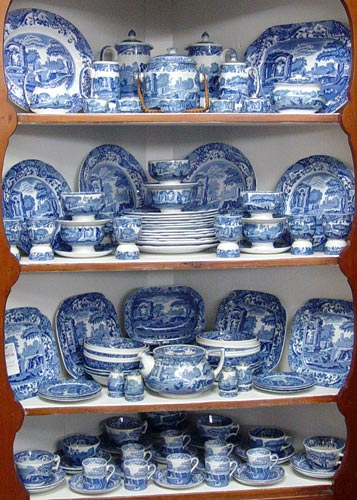 109 piece COLLECTION OF COPELAND SPODE BLUE