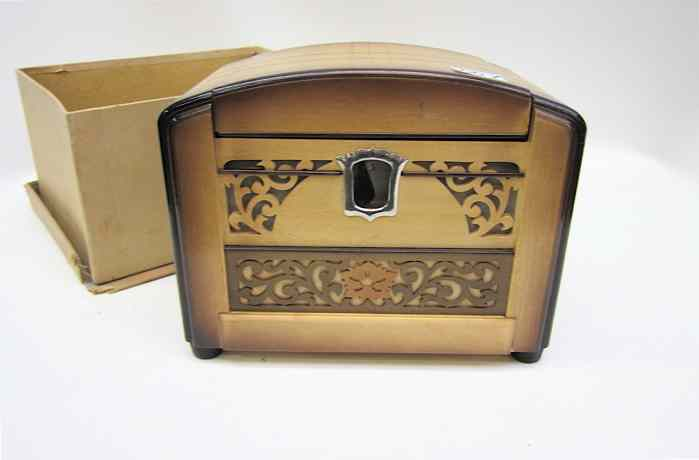 JAPANESE WOODEN MUSICAL CIGARETTE BOX the