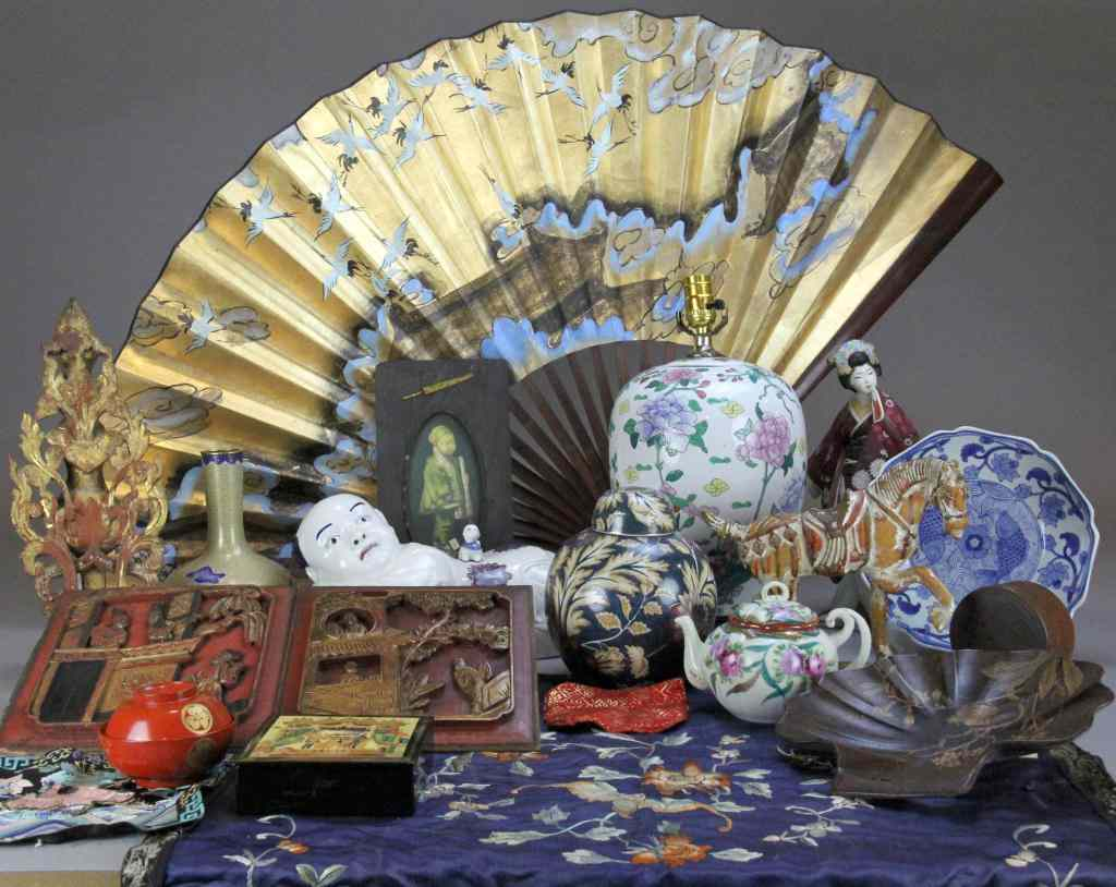 (21) Pcs. Chinese Decorative Arts Incl. PorcelainConsisting