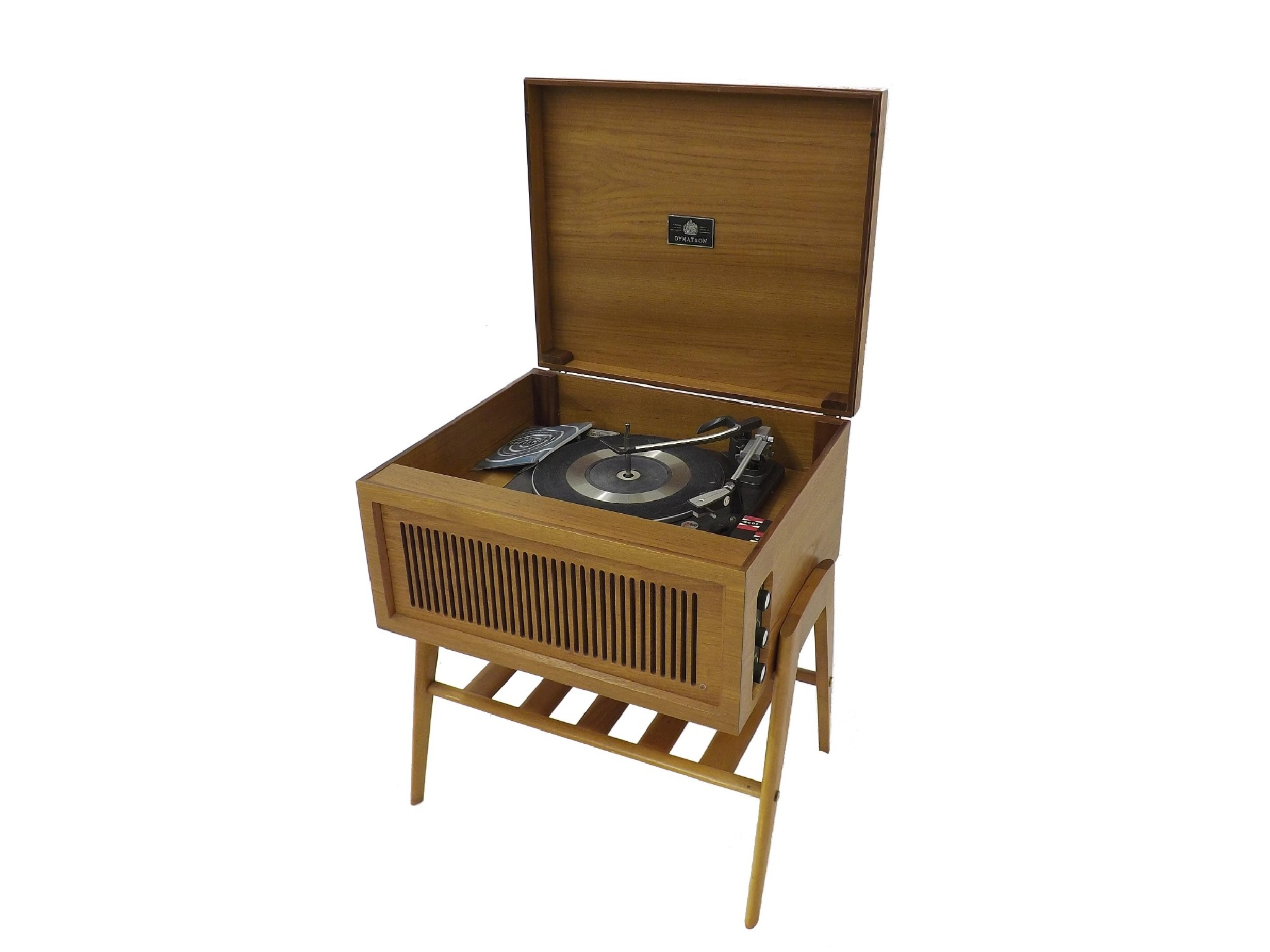 Turntable buying guide: how to choose the right vinyl record player.