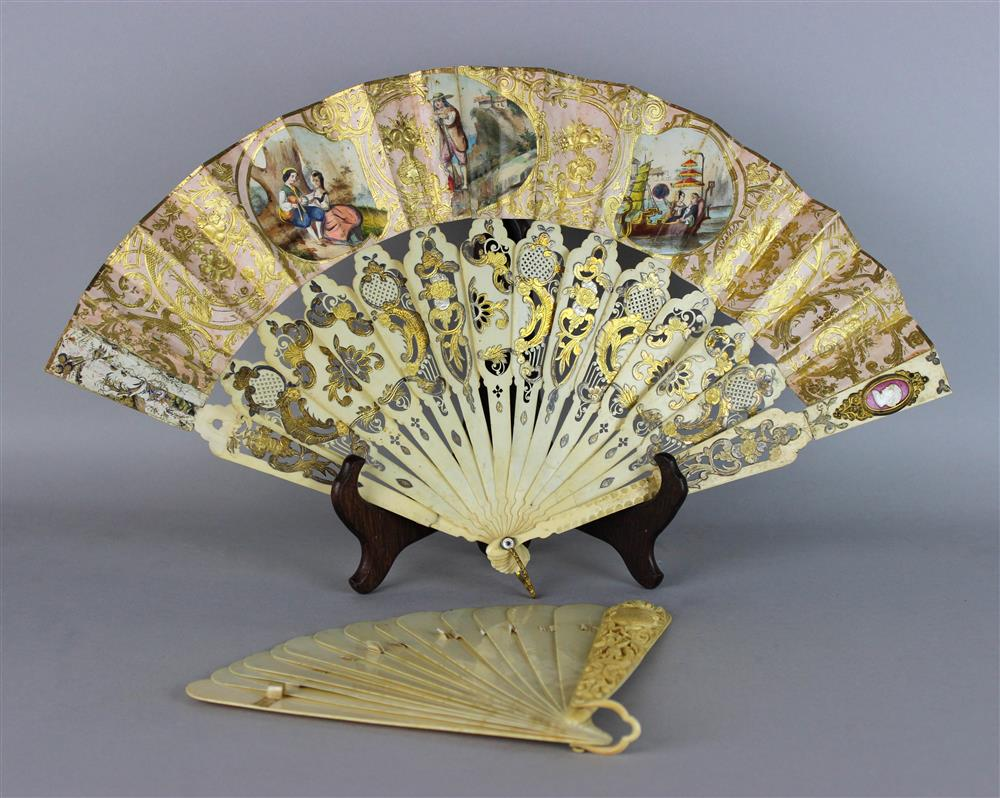 FRENCH LADY'S BONE BRISEE FAN, 19TH C. with