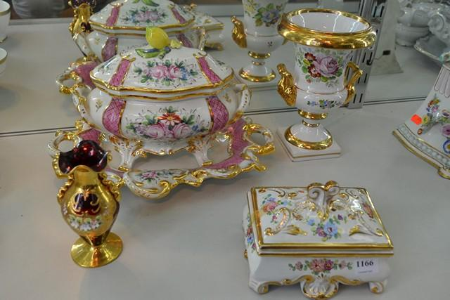 A GROUP OF HEAVILY GILDED DECORATIVE PORCELAIN