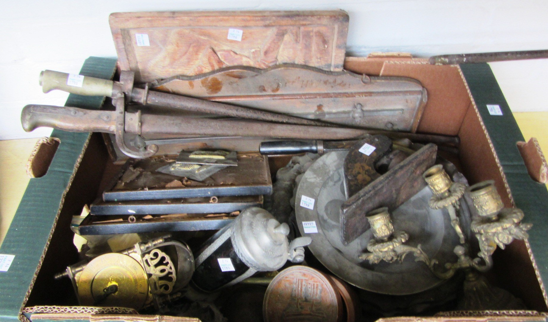 A quantity of metalware collectables, including;