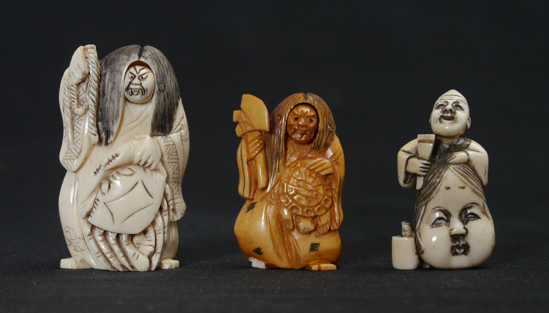 3 PIECE ARTICULATED CARVED IVORY NETSUKES: