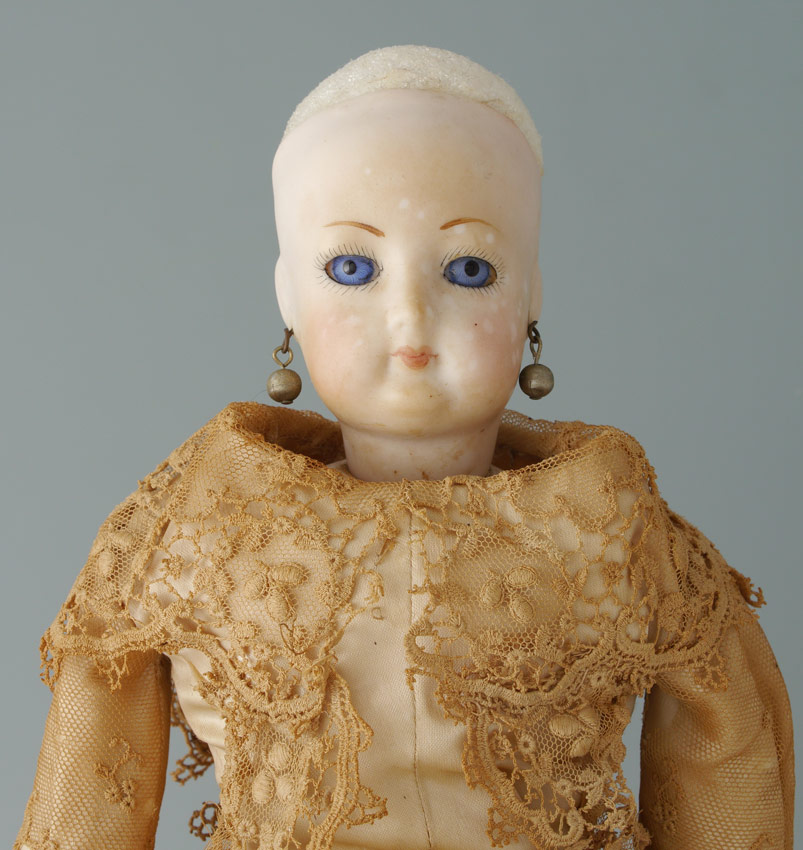 ANTIQUE FRENCH FASHION DOLL:  Bisque head
