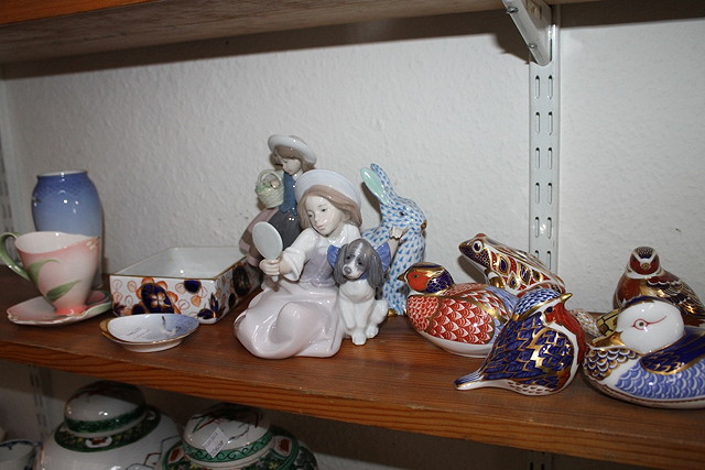 A COLLECTION OF ROYAL CROWN DERBY AND HEREND