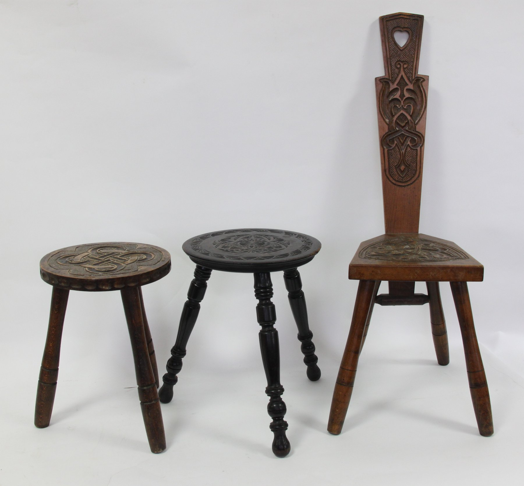 Pleasing Price Guide For A Turned Wood Spinning Wheel A Carved Chair Creativecarmelina Interior Chair Design Creativecarmelinacom