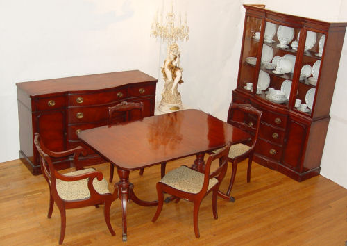 7 PIECE DREXEL MAHOGANY DINING SET: To include
