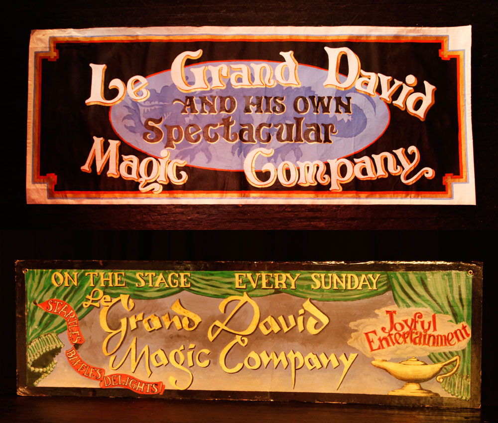 "9074 - Two Banners, ""Le Grand David Magic"