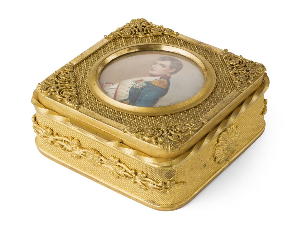 YFRENCH GILT METAL BOX, OF NAPOLEONIC INTEREST