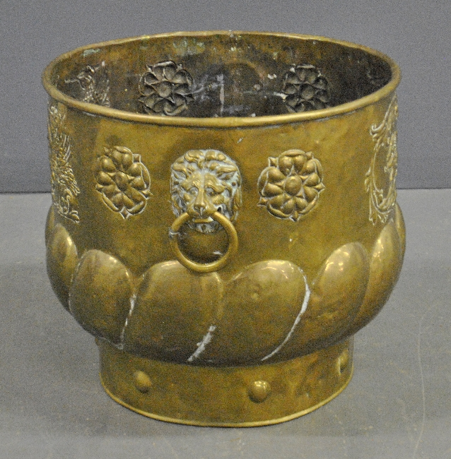 - Large continental brass bucket, 19th c.,